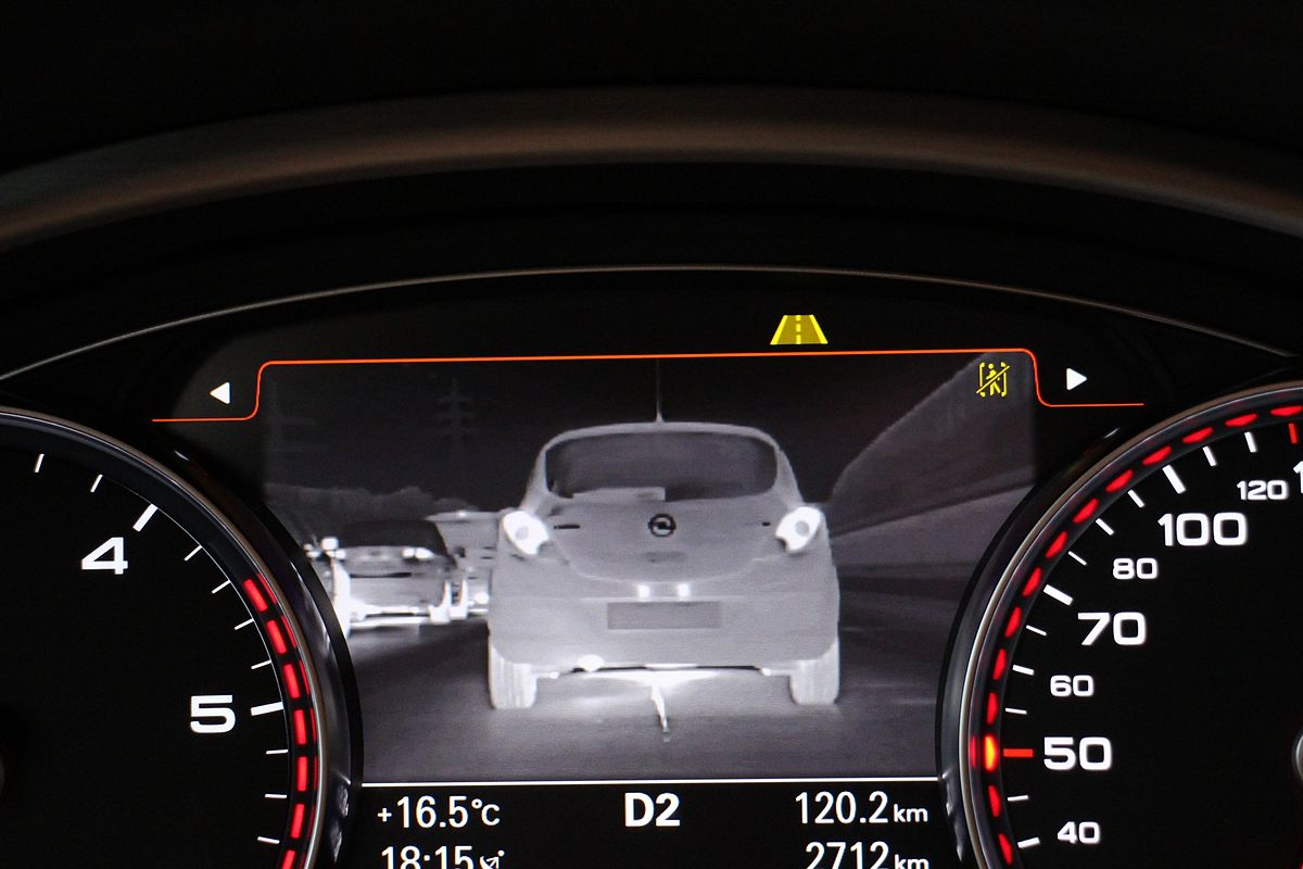 Audi_A8_2013_(11209949525)